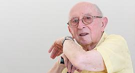 הסופר נתן שחם , צילום: אלעד גרשגורן