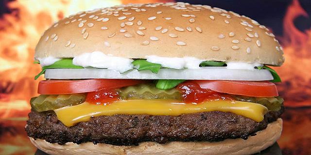 ליצמן פועל לסימון ערך קלורי גם בתחום המזון המהיר
