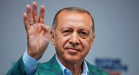 נשיא טורקיה רג'פ טאיפ ארדואן בחירות 2018, צילום: רויטרס