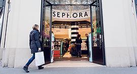 ספורה פריז משפרים חוויית קנייה, צילום: בלומברג