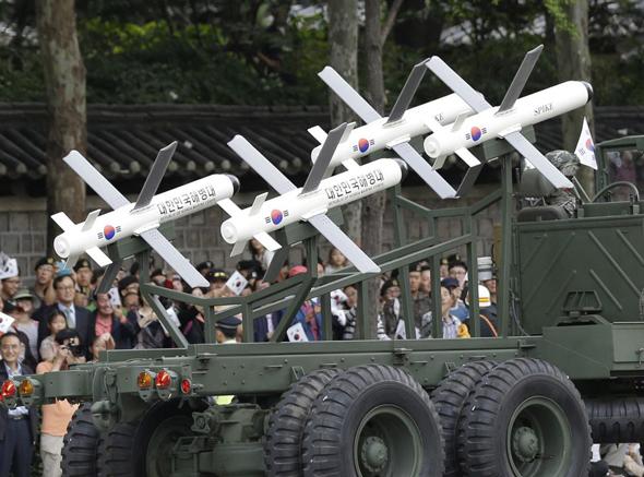 טיל טילים נגד טנקים ספייק רפאל דרום קוריאה , צילום: AP