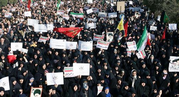 הפגנות בטהראן נגד המשטר. המחאה שהתחילה ב־2017 נמשכת