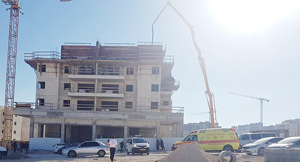 אתר הבנייה בחריש שבו נהרג הפועל היום, צילום: מדא