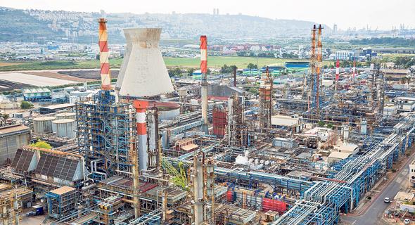 חומרים מסוכנים שמקורם בבתי הזיקוק בחיפה דלפו לים