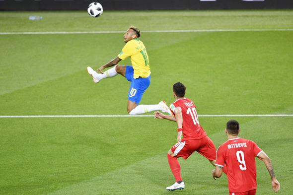 ניימאר במשחק מול סרביה