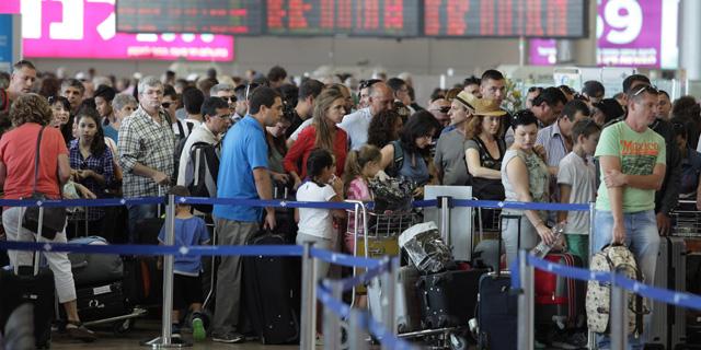 """החודש העמוס אי פעם: מעל 2.8 מיליון נוסעים עברו באוגוסט בנתב""""ג"""