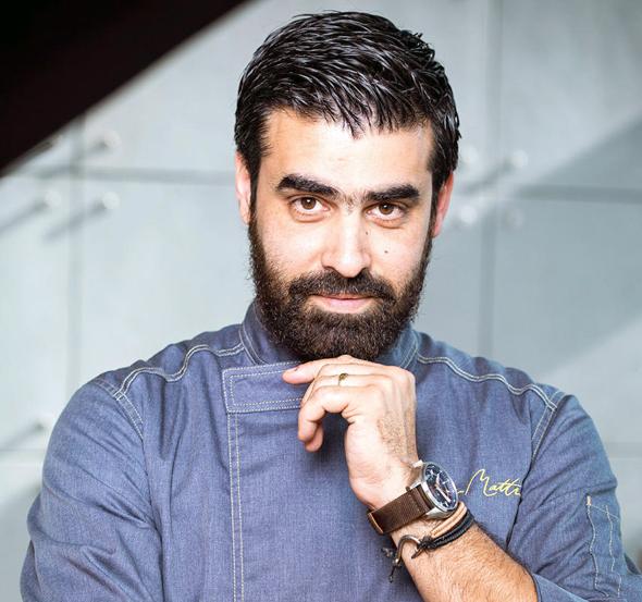"""אליאס מטר: """"הייתי השף הערבי הראשון שהכניס אויסטרים ולובסטרים למסעדה והראשון  שעשה שימוש בפירות ים טריים"""""""