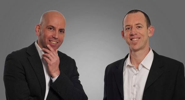 מימין: עורכי הדין שלומי אבני וערן פלסר