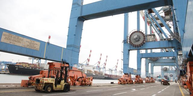היסטוריה בנמל חיפה: פעילות הרציפים תופרט, מאות עובדים יפרשו