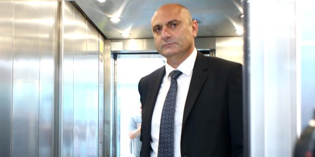 """יו""""ר ההתאחדות לכדורגל, שינו זוארץ, התפטר במפתיע"""