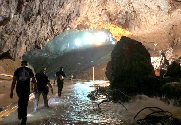 חילוץ הנערים מהמערה בתאילנד