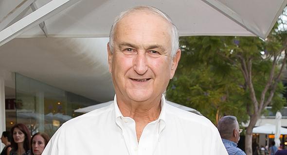גד פרופר, לשעבר מבעלי אסם, כיום קונסול כבוד של ניו זילנד ודקאן הסגל הקונסולרי. בן 74, נשוי ואב לשניים, גר ברמת השרון