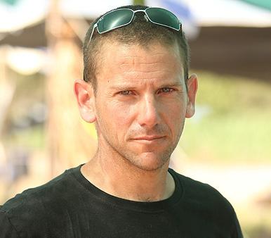 מוסף שבועי 12.7.18 רוטשילד על החוף טל גונן ב מאהל מחאה נגד בניית אסדת הגז בחוף דור