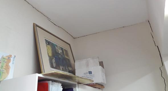 סדקים במבנה בבית הספר כדורי בגליל התחתון אחרי רעידות האדמה השבוע