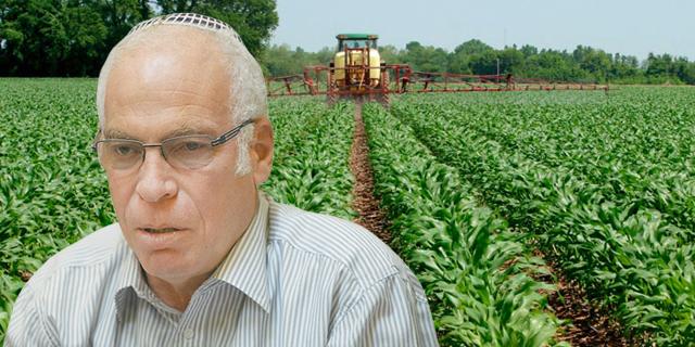 אורי אריאל זורק לחקלאים מלפפון ערב הבחירות