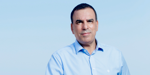 Former Telecom Italia CEO Calls his Ousting a Coup