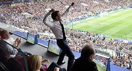 עמנואל מקרון נשיא צרפת חוגג את ניצחון צרפת ב מונדיאל 2018