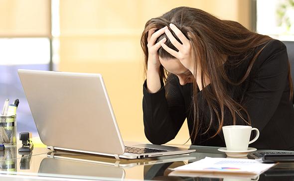 עובדים מבזבזים שעות במערכות שנועדו לייעל את העבודה, צילום: שאטרסטוק