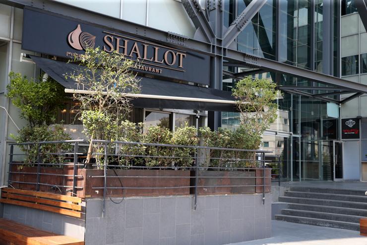 מסעדת שאלוט ברמת החייל בתל אביב. מעוז העלייה הרוסית החדשה