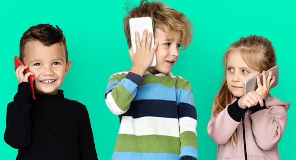 ילדים עם סלולרי. איך נלחמים בהתמכרות?
