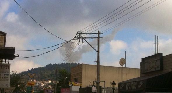 שובל העשן של טיל הפטריוט שנורה לעבר המטוס הסורי, צילום: אלימלך גרסטל