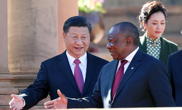 נשיא דרום אפריקה סיריל רמפוזה ונשיא סין שי ג'ינפינג (ארכיון)