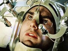 """טום קרוז מחליף גלגלי עיניים בסרט """"דו""""ח מיוחד"""". גם הסינים רוצים יכולת למנוע פשעים טרם ביצועם"""