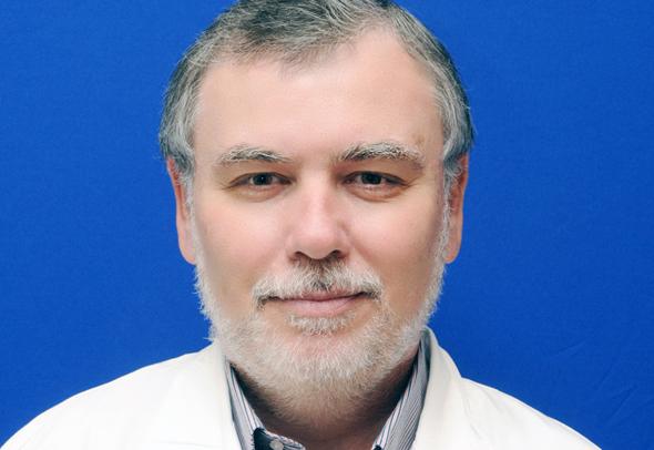 פרופ' פיני הלפרן, מנהל המחלקה לרפואה דחופה במרכז הרפואי סוראסקי