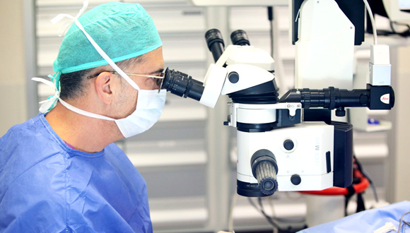 """ד""""ר יוסי יציב, מנתח בכיר במרכז הרפואי עין טל, צילום: ליאור צור"""