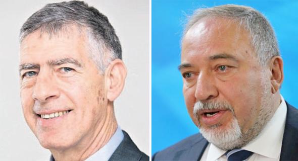 """מימין: שר הביטחון אביגדור ליברמן ומנכ""""ל תע""""א הנכנס נמרוד שפר, צילום: אלכס קולומויסקי, התעשיה האווירית"""