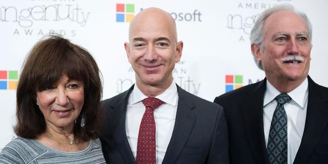 השקעה משתלמת: כך הפכו הוריו של ג'ף בזוס למולטי מיליארדרים
