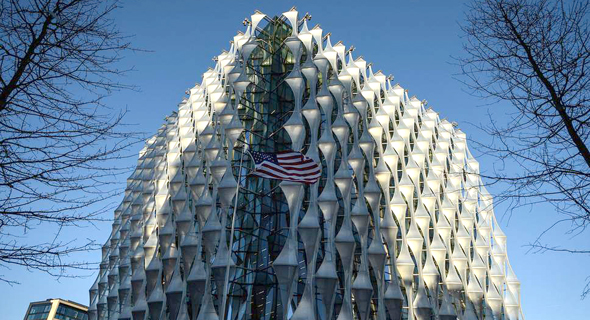 """שגרירות ארה""""ב בלונדון. נתקעו עם עודפי מלאי, צילום: גטי אימג"""