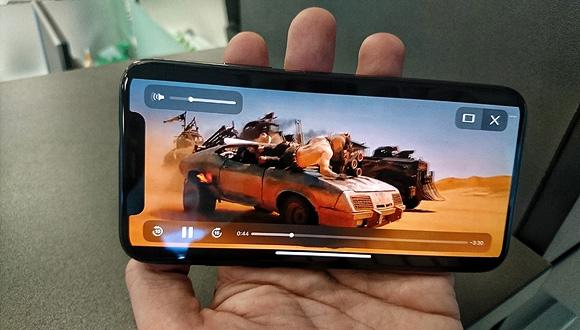 הקולנוע בכיס של אפל, צילום: רפי קאהאן
