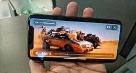 סרטים באייפון X, בקרוב דרך אפל , צילום: רפי קאהאן