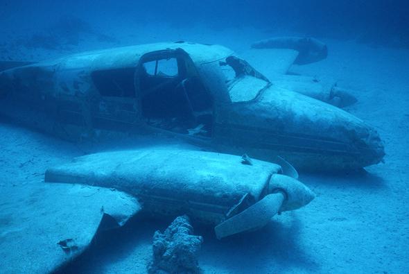 מטוס שהתרסק בסביבת המשולש. שום דבר מיסטי, רק תקלות וטעויות אנוש, צילום: שאטרסטוק