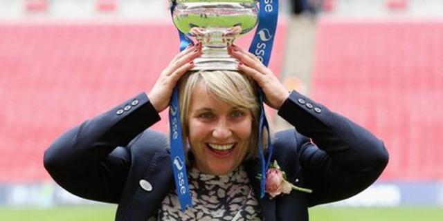 """ברקליס ישקיע 10 מיליון ליש""""ט בליגת כדורגל הנשים של אנגליה"""