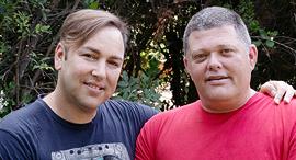 מימין: גד ויטנר ובן זוגו דורון אורסיאנו , צילום: אפי שריר