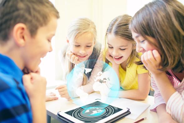 ילדים לומדים טכנולוגיה (אילוסטרציה)