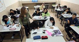 תלמידים ב שיעור ב כיתה ב בית ספר תיכון גוטוירט ב תי ספר, צילום: גדי קבלו