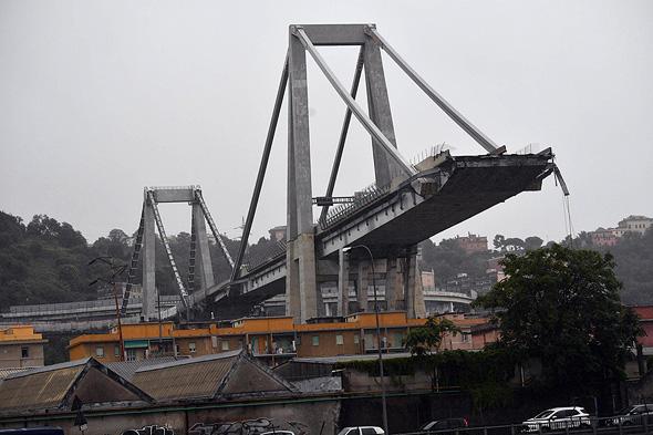 קריסת הגשר בגנואה