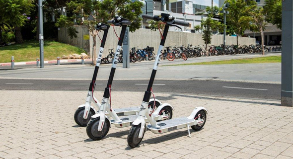 Bird electric scooters in Tel Aviv. Photo: Yanai Menahem