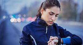 שעון מד דופק ריצה פנאי , צילום: שאטרסטוק