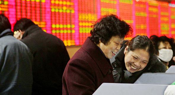נשים סיניות. מנהלות את ענייני הכסף במשפחה