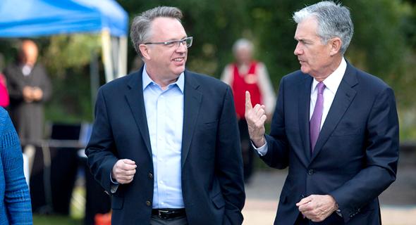 """יו""""ר הפד פאוול (מימין) עם נשיא הפד של ניו יורק ויליאמס, צילום: Jonathan Crosby"""