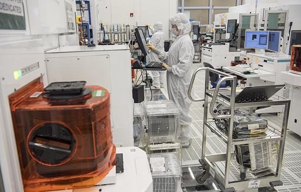 מעבדה של אפלייד מטיריאלס בעמק הסיליקון, צילום: בלומברג