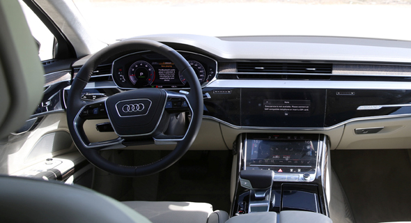 פנים הרכב, צילום: אוראל כהן