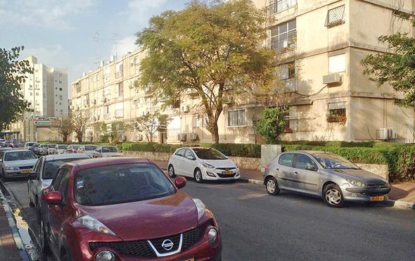 רחוב ההסתדרות ב גבעתיים, צילום: ארז ורדון