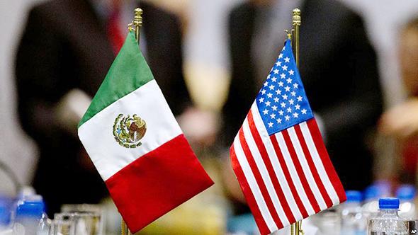 """דגלי ארה""""ב ומקסיקו, צילום: רויטרס"""