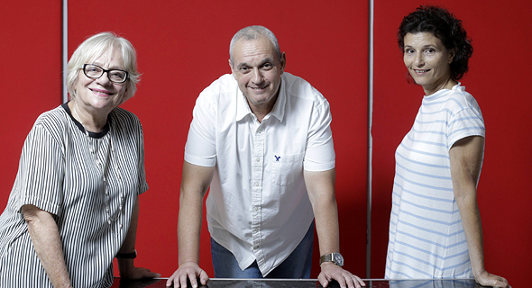מימין: פרופ' יערה בר און, פרופ' רוני לידור ופרופ' ציפי ליבמן, צילום: עמית שעל