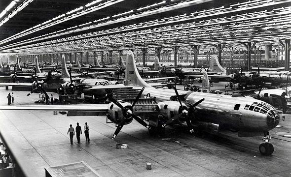 מפציצי B29 מורכבים במפעלי בואינג